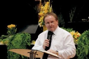 Pastor datovania člen zhromaždenia